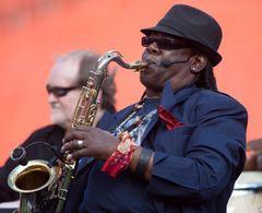 Eストリートバンドのサックス奏者クラレンス・クレモンズさんが死去 ブルース・スプリングスティーンがコメント