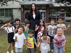月9主演のガッキー「子どもは欲しいです!」たくさんの子どもに囲まれ自身の子育て論を告白!
