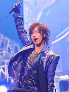 DAIGO、マル・マル・モリ・モリ!歌って踊り観客8,000人が大歓声!BREAKERZ武道館ライブ!
