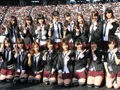 AKB48事務局も警告!有名人やお笑い芸人の偽アカウントが大量発生!
