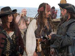 2011年上半期に一番ヒットした映画は『パイレーツ』!2位『ハリポタ』と洋画強し!3位に『ヤマト』で邦画はやや出遅れ?