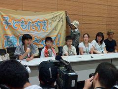 山本太郎、福島の子どもたちとともに内閣府、文科省、保安院の役人と対峙「場当たり的なことはやめてください!」と声を荒げる