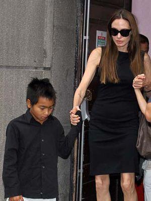 アンジェリーナ・ジョリー、養子を取るきっかけは『トゥームレイダー』 - シネマトゥデイ анджелина джоли