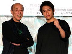 松本潤、蜷川演出「あゝ、荒野」で5年ぶり舞台主演!初共演の小出恵介とは早くも名コンビぶりを発揮?