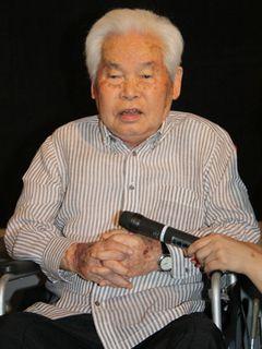 アカデミー賞日本代表に選ばれたことに喜び!邦画界現役監督最高齢99歳の新藤兼人監督、車いすからのユーモアたっぷりのスピーチに大喝采!