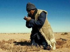 14時間の大作『原油』を含む全6作を一挙上映!中国ドキュメンタリー界の巨匠ワン・ビン、初の回顧展開催!