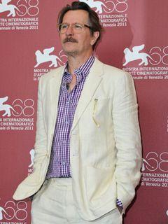 俳優ゲイリー・オールドマン、ウェブ・チャットでファンと交流し『ダークナイト ライジング』や監督第2作案など赤裸々に語る