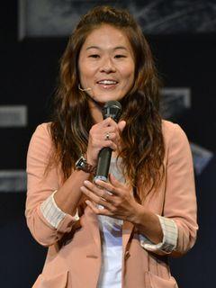 なでしこ澤穂希、初の映画イベントに「緊張しています」もステージ上では豪快ゴール!