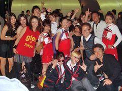 「glee」3D映画のスタンディング上映会に日本全国のファン集結!満席の会場はまるで本物のコンサート!