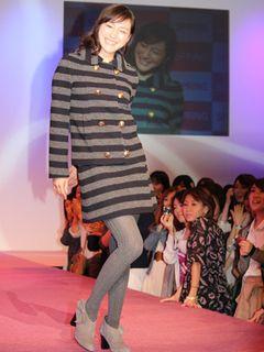 広末涼子、31歳になってもかわいらしさ全開!ファッションショー登場でファン騒然! 秘けつは「自然体で生きること」