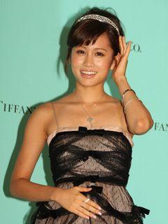 前田敦子、総額1,000万円以上のジュエリーを着用して「いつかはすてきな人にジュエリーをプレゼントされたい」