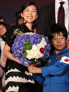 竹内結子、主演映画『はやぶさ』が全米公開決定にビックリ 満面の笑顔で「世界中の人にも知っていただきたい」