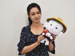 来年30歳の深田恭子、豆富小僧の声は両親に甘える小さいころの自分!