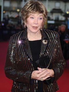 シャーリー・マクレーン、アメリカ映画協会の生涯功労賞を受賞