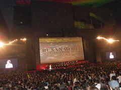 釜山で4,000人の観客が鑑賞!サイレント映画時代のハリウッドが舞台!白黒の映像と音楽だけでのカンヌ国際映画祭男優賞受賞作品『The Artist』