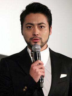 山田孝之、謎のモテキ男を演じる久々のラブストーリー『指輪をはめたい』は男性にも観てもらいたい作品!