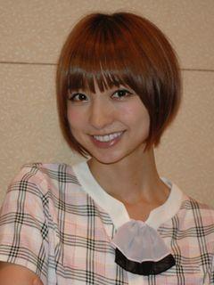 AKB篠田麻里子、クールビューティーには理由があった!あまり笑わない理由を告白