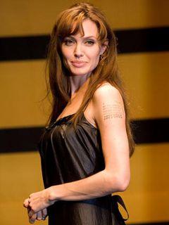 アンジェリーナ・ジョリー、監督デビュー作はセルビア・クロアチア語での全米公開!英語版は海外公開用に!