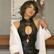 吉井怜、白衣を脱ぐと胸元の大きく開いた大胆なボンテージ姿!ニコ生視聴者のちょっとエッチな要求に丁寧に応じる
