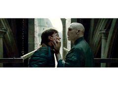 『ハリー・ポッター』最終章が2週連続1位!ラジー賞監督シャマラン製作の新作が健闘するもトップ10外