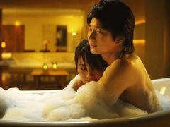 向井理がセクシー!ホテルのスウィートルームで展開するドラマ、写真集のようなコンプリートDVD BOOKに!