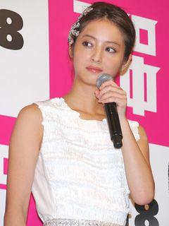 佐々木希、集まった観客に感極まって涙!? 松田翔太は、監督がリアル童貞だったと暴露し会場騒然!