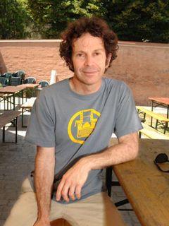 『マルコヴィッチの穴』の脚本家チャーリー・カウフマン、次回作はニコラス・ケイジも出演するミュージカル映画
