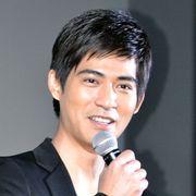 台湾アイドルユニットF4のヴィック・チョウ、2012年も目力でファンを魅了!