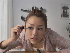 桐谷美玲がすっぴんで登場し自らメイク!キリタニ流メイク術の過程を追うスペシャル動画公開!
