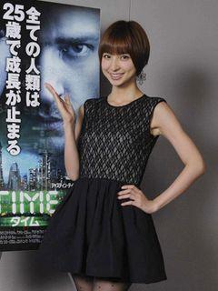 篠田麻里子、吹き替え初挑戦ハリウッド映画のスポットに登場! 人間の成長が止まった世界に「ちょっとうらやましい」