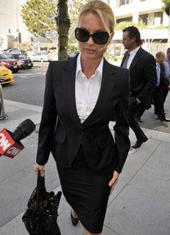 「デスパレートな妻たち」のニコレット・シェリダン 証言台で声を荒げて裁判官から「落ち着きなさい」と注意