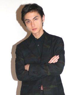 高良健吾、ドストエフスキーの名作文学「罪と罰」現代日本版の実写ドラマで罪を犯す主人公に!