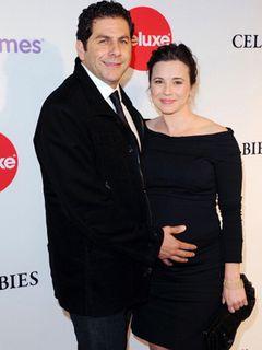 「ER 緊急救命室」のリンダ・カーデリーニに女児誕生