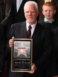 『時計じかけのオレンジ』の主演マルコム・マクダウェルが、ハリウッド・ウォーク・オブ・フェイムに星型を残すことに