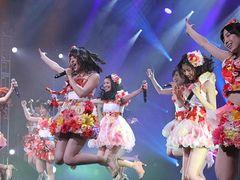 AKB48、アメリカ首都ワシントン公演で旋風吹く! 会場埋めるファンから大歓声!