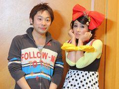 秋吉久美子が「あやまんJAPAN」を演じる!? キョーレツなインパクト!あやまん監督にぽいぽい攻撃!