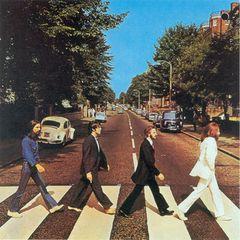 ザ・ビートルズが「アビイ・ロード」で逆行!未公開写真が競売へ