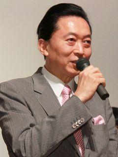 鳩山由紀夫元首相、幸夫人が所属する国会コーラス愛好会が登場!その歌声に客席からは「ブラボー!」の声も
