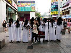 貞子、韓国にも出現!衣装はチマチョゴリ風!