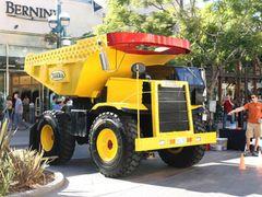 「トランスフォーマー」のハズブロ社、ソニーとトラックのミニカーシリーズをアニメ映画化