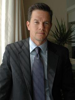 41歳マーク・ウォールバーグ、高校へ進学