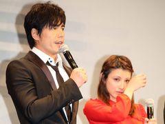 『海猿4』涙の完成報告!伊藤英明&加藤あいが声を詰まらせ涙を拭う!
