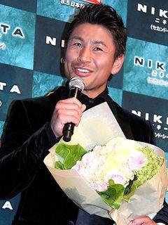 魔裟斗、女児誕生でさっそく親バカぶり報告!「鼻のへんがそっくりと言われる」