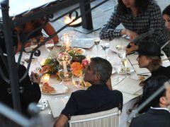 ジョージ・クルーニーと恋人、イタリアで食中毒? 恋人がツイート