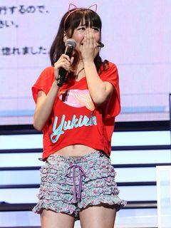 AKB48柏木由紀、ソロデビュー決定にファン2,000人の前で感涙!「ソロデビューは将来の夢でした」