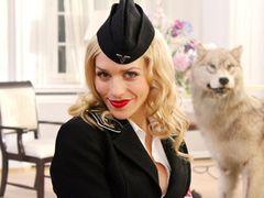 セクシー女ナチスを演じた美人女優に電話インタビュー!ドイツでも大人気のナチ侵略映画語る!