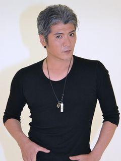 『るろうに剣心』吉川晃司、マイクが刀!キャラクターの魅力を語る!
