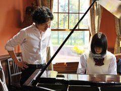 橋本愛、ピアニストを目指す少女に!現役ピアニスト清塚信也と共演で「さよならドビュッシー」映画化!