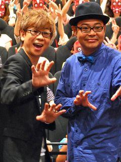 人体模型役の山寺宏一、相棒役である田口浩正の子どもから急所にパンチ