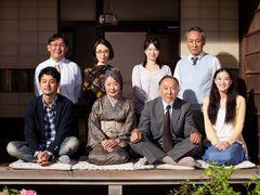 山田洋次監督『東京家族』1シーンだけでつづる特報公開 妻夫木聡が母の死に涙